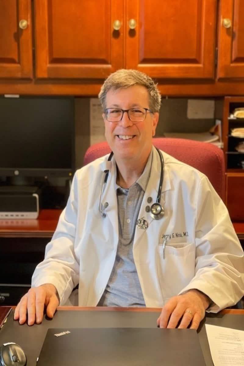 Dr. Ninia
